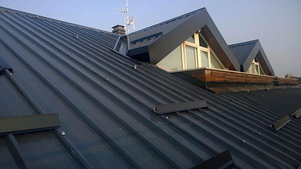 Lavori di smaltimento bonifica eternit amianto e for Tegole del tetto della casetta